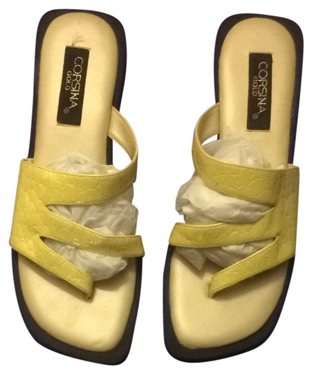 Corsina Size 7 Yellow Gold Canary Yellow Sandals