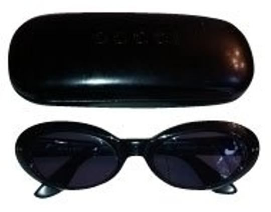 Preload https://img-static.tradesy.com/item/793/gucci-black-sunglasses-0-0-540-540.jpg