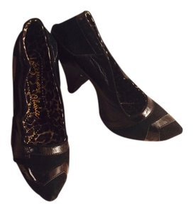 Irregular Choice Black Pumps