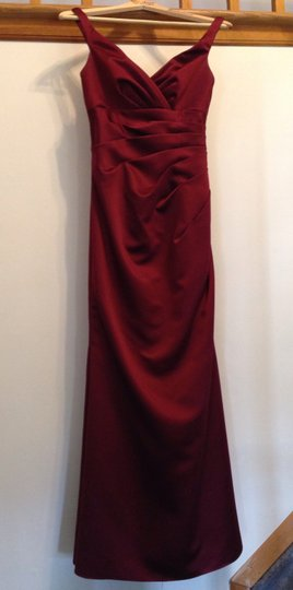 Jordan Fashions Wine Satin 941 Formal Bridesmaid/Mob Dress Size 6 (S)