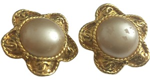 Chanel CLEARANCE #3416 CC White pearl Star Gold Disc Earrings Clip On