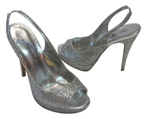 Lulu Townsend Sparkling Size 7.00 M Very Good Condition Silver, Platforms