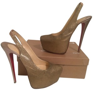 Christian Louboutin Daffodile 41 9.5 10 Gold Pumps