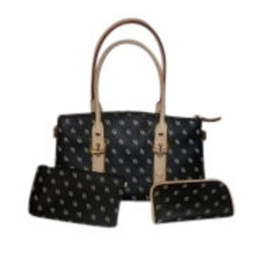 Preload https://item2.tradesy.com/images/dooney-and-bourke-black-shoulder-bag-7951-0-0.jpg?width=440&height=440