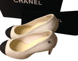 Chanel Black Leather WHITE Pumps