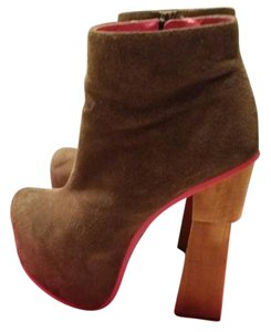 DV8 by Dolce Vita Boots
