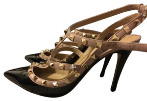 Valentino gorgeous rockstud black pumps Black Pumps