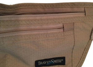 TravelSmith BE SAFE--TRAVEL SMART---EXTRAORDINARY TRAVEL DOCUMENT HOLDER