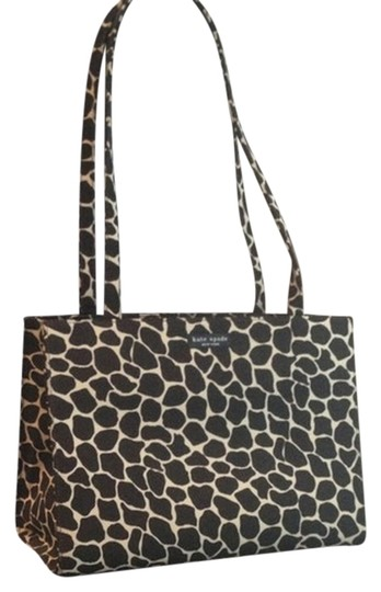 Preload https://item4.tradesy.com/images/kate-spade-black-and-white-giraffe-print-shoulder-bag-796623-0-0.jpg?width=440&height=440