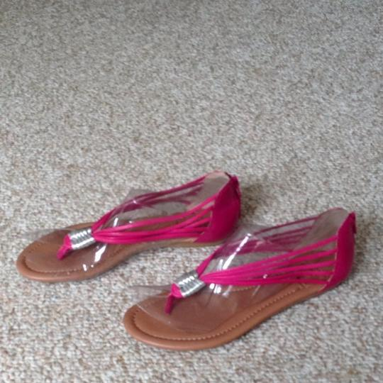 Lucky Brand Fuschia Sandals