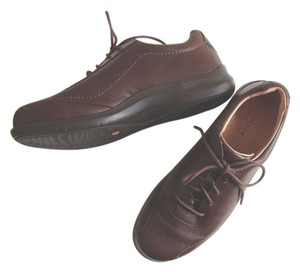 Aravon Calfskin Leather Brown Athletic
