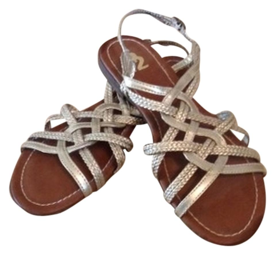 784b32c39bf7 R2 Gold Sandals. Size  US 7.5 Regular (M ...