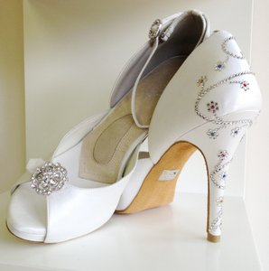 Angela Nuran Starletta Glitz Designer Sample Wedding Shoes