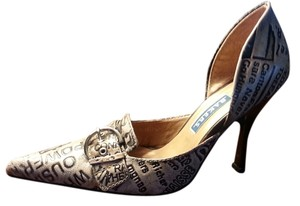 Bakers Black and Tan Pumps