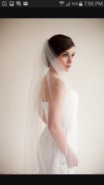 Item - White Medium Fingertip Bridal Veil