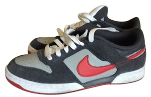 Nike GRAY/RED Athletic