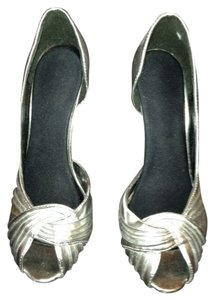 Xhilaration Silver Pumps