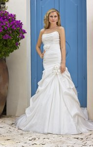Ella Bridals 5600 Wedding Dress