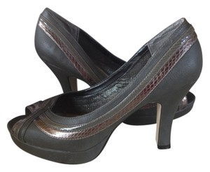 Candie's Gun metal gray Pumps