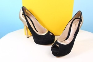 Fendi Black And Gold Pumps
