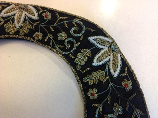 Vintage Vintage embroidered attachable collar Image 2