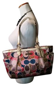 Coach Tote in Pink multi