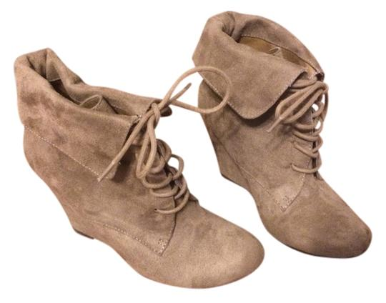 Preload https://item2.tradesy.com/images/mix-no-6-tan-lace-up-ankle-bootsbooties-size-us-85-regular-m-b-800091-0-0.jpg?width=440&height=440