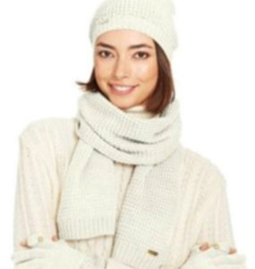 Calvin Klein Calvin Klein Hat Scarf & Tech Gloves Set