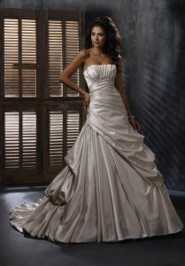 Maggie Sottero Emily Wedding Dress