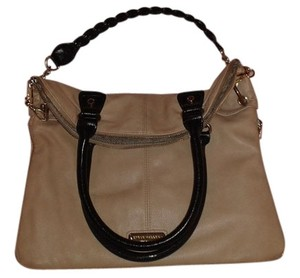 188adf117e6 Beige Steve Madden Shoulder Bags - Up to 90% off at Tradesy