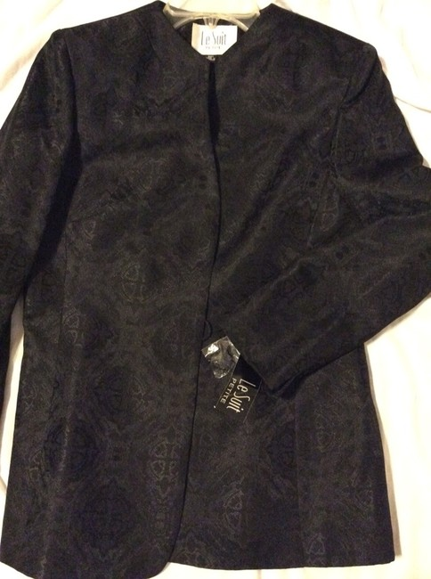 Le Suit Ladies Black Suit, New With Tags