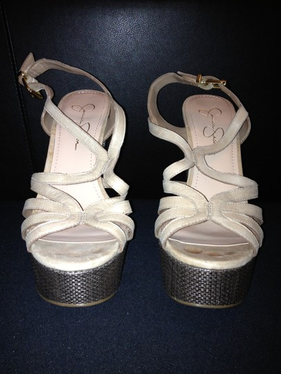 Jessica Simpson Cizal 8.5 Like New Trade taupe Platforms