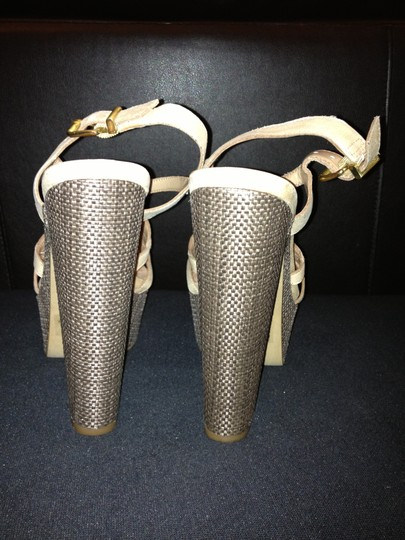Jessica Simpson Cizal 8.5 Like New Trade taupe Platforms Image 3