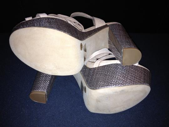 Jessica Simpson Cizal 8.5 Like New Trade taupe Platforms Image 4