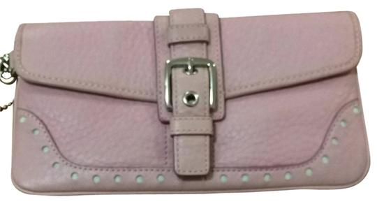 Preload https://item4.tradesy.com/images/coach-pink-wristlet-802668-0-0.jpg?width=440&height=440