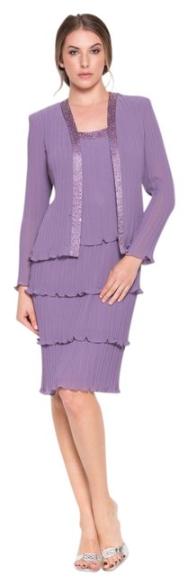 Preload https://item2.tradesy.com/images/grape-nox-5015-knee-length-night-out-dress-size-8-m-803026-0-0.jpg?width=400&height=650