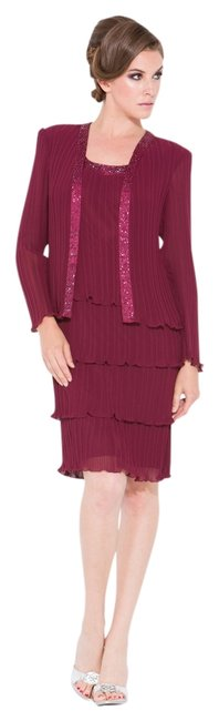 Preload https://item2.tradesy.com/images/burgundy-nox-5015-knee-length-night-out-dress-size-26-plus-3x-803071-0-0.jpg?width=400&height=650
