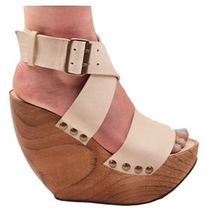 Minimarket Wedge Leather Wide Straps Beige Wedges