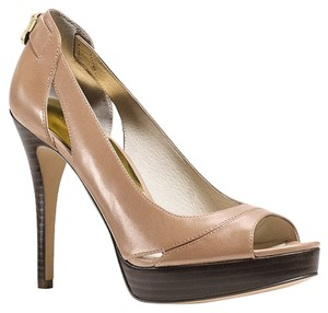 Michael Kors Khaki Pumps