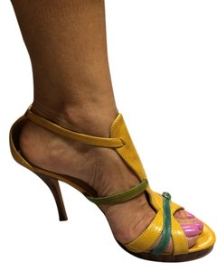 John David Yellow / green/ blue Pumps
