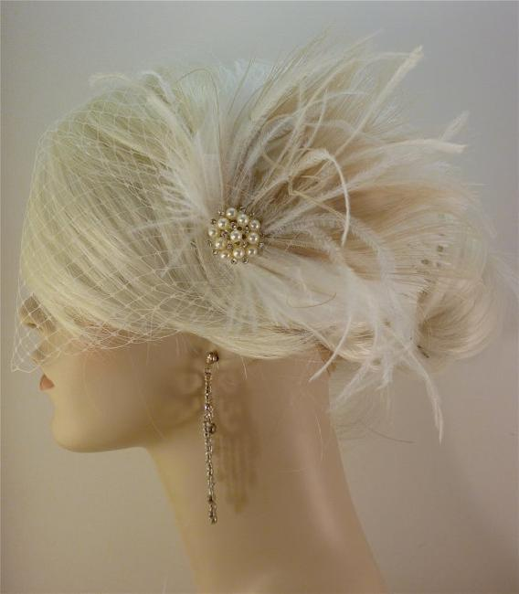 Ivory Short Fascinator W/Pearls And Bridal Veil Ivory Short Fascinator W/Pearls And Bridal Veil Image 1