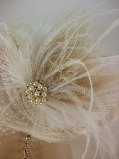Ivory Short Fascinator W/Pearls And Bridal Veil Image 1