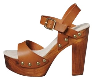 Volatile Platform Wood Sandal Leather Camel Platforms