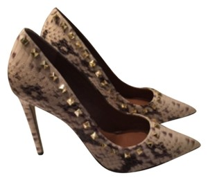 Steve Madden Proto S Python Grey and White Pumps that look just like Valentinos! Grey and white python Pumps