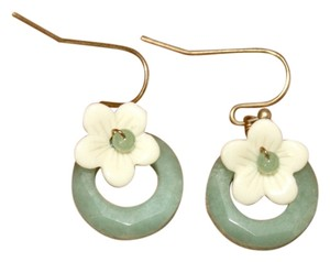 Boutique Green Flower Earrings