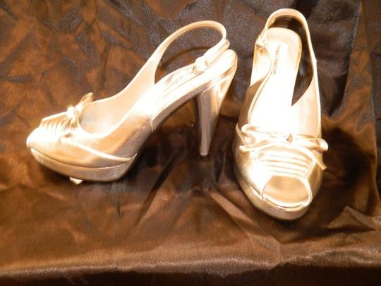 Dyeables Silver Jester Size US 7.5