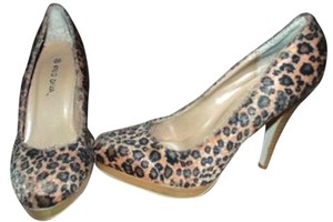 Wild Diva Size 6.5 Us P281 BROWN, BEIGE, BLACK Pumps
