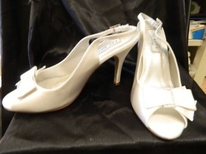 Touch Ups Diamond/Silk White Claudine Size US 8.5