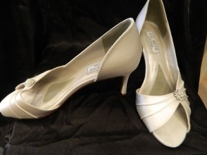Touch Ups Diamond/Silk White Melissa Size US 6