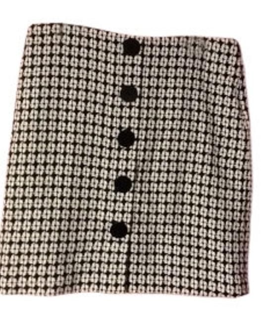 Preload https://img-static.tradesy.com/item/8058/isaac-mizrahi-for-target-black-and-white-straight-with-zipper-knee-length-skirt-size-12-l-32-33-0-0-650-650.jpg